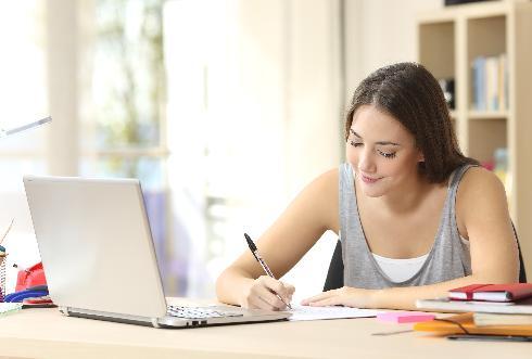 הכתיבה העוברת דרך היד עוזרת להטמיע את המידע בצורה טובה יותר